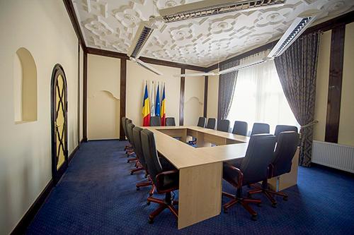 SALĂ CONSILIU - 16 LOCURI